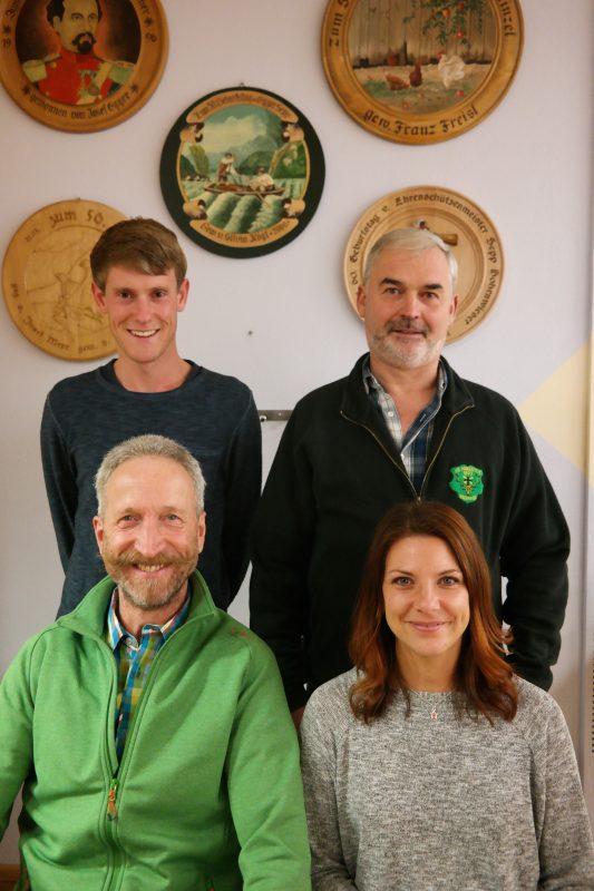 vorne: Bernhard Maier und Sabine Freisl hinten: Roland Püppke und Gerhard Walser
